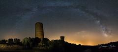 Vallferosa (Yaco1959) Tags: torre cielo nocturna estrellas vialactea