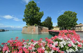 Italia 1   [On Explore]
