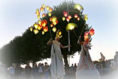 Fairytales on stilts (Magreen2) Tags: stilts stelzen poetic beautiful lights blossoms flowers kleinesfestimgrosengarten hannover kultur abend dunkel nacht night dark artis künstler