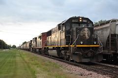IC 1032 East (Railfan Dan) Tags: cn canadiannational ic illinoiscentral icdeathstar m338 lenailtrains lenaillinoistrains dubuquesub dubuquesubdivision