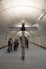 Farringdon_Elizabeth_Line_150618_1366_hi (Chris Constantine UK) Tags: crossrail tube london underground construction metro elizabeth farringdon