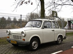 1990 TRABANT 1.1 N Limousine (ClassicsOnTheStreet) Tags: gg898g trabant 11 n limousine 1990 awz pkw trabi 11n trabant11 ifa ifatrabant 601 trabantp601 trabant601 duroplast ddr gdr 4stroke viertakt viertact sedan berline saloon voiture 90s 1990s classic klassieker classiccar veteran classico oldtimer gespot spotted carspot amsterdamnoord amsterdam noord vikingpad 2017 straatfoto streetphoto streetview strassenszene straatbeeld classicsonthestreet import imported ingevoerd