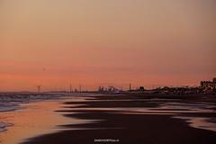 DSC02389 (ZANDVOORTfoto.nl) Tags: beachlife strand zandvoort aan zee sunset zonsondergang ijmuiden bloodredsky