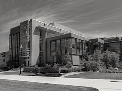 CCIT/B&W - Summer 2018 (Javcon117*) Tags: fsu frostburg state university campus college allegany county maryland md javcon117 frostphotos ccit computer science higher education western black white bw summer sidewalk walkway lamp light post gira center communications information technology