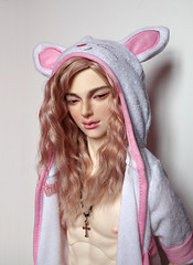 Pink Bunny (Shao-ron) Tags: bjd bjdphotography balljointeddolls photography abjd dollfie doll dollclans kien dollclanskien bunny rabbit pink pinkhair pastel pastelgoth goth