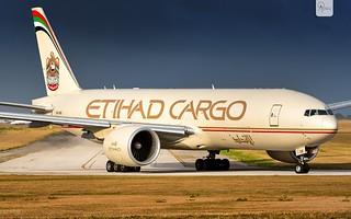 Etihad Cargo   A6-DDB   Boeing 777-FFX   BGI