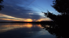 Good Night World (Bob's Digital Eye) Tags: bobsdigitaleye canon canonefs1855mmf3556isll clouds dusk flicker flickr july2018 laquintaessenza lake lakesunsets lakescape silhouette sky skyscape sun sunset sunsetsoverwater t3i water serene