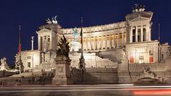 Piazza Venezia - Rome (david.bank (www.david-bank.com)) Tags: piazzavenezia rome rom roma altaredellapatria dusk bluehour twilight italy