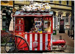 (Leaning Ladder) Tags: novisad serbia red colors popcorn street canon 7dmkii leaningladder