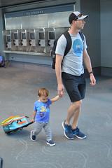 Keeping track of the luggage (radargeek) Tags: den denver airport travel colorado travelers traveler baby kid kids children father son carryon seetheworld
