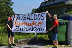 Pancarta para animar al ciclista local Aimar Galdós en el Campeonato de España Infantil.