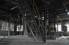 Abandonné  -  Abandoned (Philippe Haumesser Photographies (+ 6000 000 view)) Tags: hangar abandonné abandoned shed pond alsace elsass france hautrhin 68 nikond7000 nikon d7000 reflex 2018 urbex bâtiment turckheim usine factory