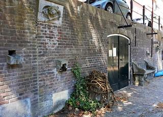 stilleven aan de werf Oude Gracht, Utrecht