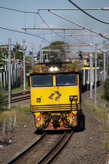 Seatrain (PJ Reading) Tags: train rail railway track transport travel transportation qr qld queensland australia qldrail narrow narrowgauge suburban city brisbane citytrain cargo goods freight locomotive intermodal container superfreighter diesel 2800class yeronga port portofbrisbane export