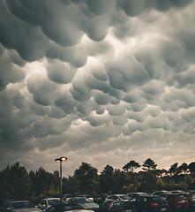 Strange sky (Jean-Luc Peluchon) Tags: fz1000 ciel sky cumulus nuage cloud orage storm thunderstorm rainstorm météo weather