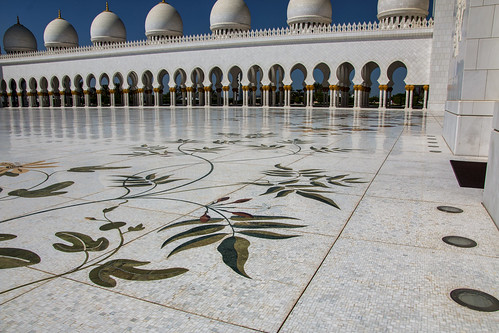 Inner courtyard, Sheikh Zayed Mosque, Abu Dhabi
