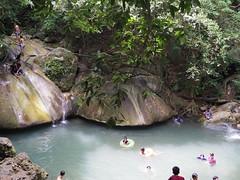 IMGP1980 (陳竹 / bamboo / Baipaii) Tags: thailand kanchanaburi waterfall erawanwaterfall onedaytrip pentaxq7 thammasat exchangestudent