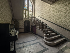 Abandoned villa (NأT) Tags: abandoned abandon abandonné abandonnée abbandonato abbandonata ancien ancienne alone architecture piano musical music zuiko explorationurbaine em1 exploration explore exploring empty explo explored escalier escaliers rust rusty ruins rotten trespassing urbex urban urbain urbaine urbanexploration interdit interior inside inexplore olympus omd old oubli past photography decay decaying derelict dust decayed dusty forgotten forbidden lost light memories nobody neglected building villa verlassen home house casa life creepy dark