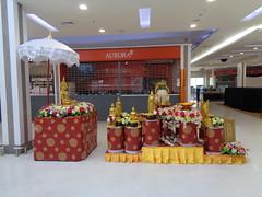 shrine at the supermarket (the foreign photographer - ฝรั่งถ่) Tags: buddhist shrine tesco lotus supermarket laksi bangkhen bangkok thailand sony