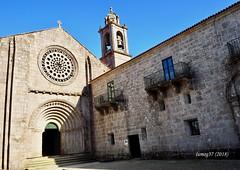Iglesia del Monasterio de Armenteira. (lumog37) Tags: monasterios monastery iglesia church románico romanesque arquitectura architecture puerta door