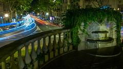 Curves de pedra i llum (Ramon InMar) Tags: barcelona kennedy nit night lighttrails font city urban street