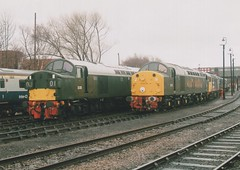 "British Railways Green Class 40's, D335 & D213 ""Andania"" (37190 ""Dalzell"") Tags: br britishrailways brgreen ee englishelectric type4 whistler class40 d213 andania 40013 d335 40135 97406 cfps classfortypreservationsociety barrowhillroundhousemuseum staveley chesterfield"