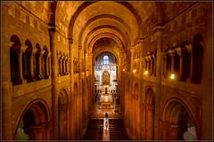 Santa Maria Maior de Lisboa o Sé de Lisboa (Totugj) Tags: nikon d5100 sigma 816mm santa maria maior de lisboa o sé catedral portugal europa europe église iglesia igreja interior church chiesa nave mayor