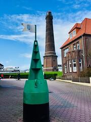 Blick auf den neuen Leuchtturm Borkum (sabine1955) Tags: leuchtturmlighthouse borkumostfrieslandhimmelwolkenskycloudsbojegrün day cloudy wolkig tag insel island