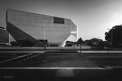 Waiting for the gift of sound and vision (RuiFAFerreira) Tags: beauty bw blackwhite black wide white building architecture canon efs1018mmf4556isstm exterior house light monochromat monochrome shadow music porto portugal uwa