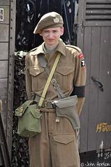 SVR 1940's Gala (2018) 106 (Row 17) Tags: uk gb england worcestershire arley svr severnvalleyrailway 1940s reenactment reenactor reenactors man men soldier uniform nikon d90 candid portrait