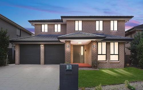11 Robey Av, Middleton Grange NSW 2171