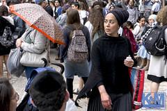 Jerusalem on Jerusalem Day (anat kroon) Tags: israel yerushalayim jerusalem יְרוּשָׁלַיִם jeruzalem middleeast streetphotography straatfotografie verhalendefotografie storytelling 70years urban capitalsoftheworld documentaire documentary anatkroon kroonenvanmaanenfotografie jerusalemday yomyerushalayim jaffastraat jaffastreet יוםירושלים