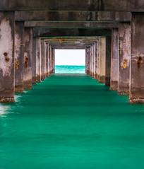 Tunnel Vision (geraud.aaron) Tags: pier tunnelvision clearwaterbeach clearwaterbeachflorida florida beach teal green aqua aquagreen aarongeraud aarongeraudphotography aarongeraudpixelscom