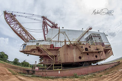Luminant Marion 8750 (Oak Hill Mine) (Michael Davis Photography) Tags: luminant texas dragline marion marion8200 mariondragline oakhillmine oakhill texasmine coal coalmine surfacemine stripmine excavator bucket machine giantmachine earthmover sky grass boat locomotive marion8750 8750 libertymine