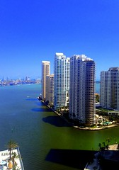 Brickell Key (Yalila Guiselle) Tags: brickellkey miami florida buildings architecture