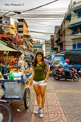 My beauty (Robica Photography) Tags: robicaphotography streetphotography straatfotografie streetart 2018 pavement people woman stand d3200 long hair smile cityphotography tourism city wires cables street cart daytime thailand
