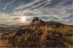A la misma altura que el Sol (Fernando Forniés Gracia) Tags: españa aragón zaragoza villanuevadejalón ruinas contraluz atardecer paisaje landscape nubes naturaleza pueblosabandonados