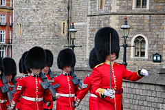 Queen's Guard (Can Pac Swire) Tags: windsor england english uk great britain british unitedkingdom berkshire castle 2018aimg2298 sl4 red coat redcoat castlehill queensguard queens life guard queenslifeguard scotsguard