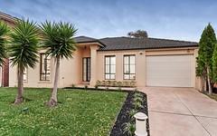 15 Cobblestone Green, Caroline Springs VIC