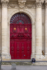 Église Saint-Paul-Saint-Louis - Paris (JLM62380) Tags: église saintpaulsaintlouis church paris france door porche red rouge man prayer people alone seul religion architecture