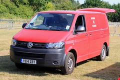 West Yorkshire Fire & Rescue Service Volkswagen Transporter Fire Investigation Dog Van (PFB-999) Tags: west yorkshire fire and rescue service wyfrs brigade volkswagen transporter investigation dogs van vehicle unit grilles leds ye14zbt day 2018