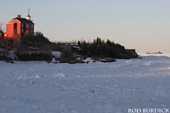 keb42118mqtlgt_rb (rburdick27) Tags: lighthouse marquette lakesuperior sunset kayeebarker ice interlakesteamshipcompany
