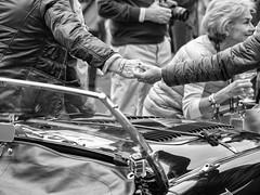 Forever (Riccardo Palazzani - Italy) Tags: 1000miglia2018 brescia hands mani friendship amicizia lombardei ロンバルディ 伦巴第大区 lombardie ломбардия lombardia لومباردي 롬바르디아 italia italie italien italy 이탈리아 италия itália italië イタリア italya 意大利 إيطاليا riccardo palazzani veridiano3 olympus omd em1 leonessa milemiglia thousand miles race historical cars 1000 miglia 1000miglia