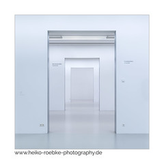 Das verlorene Selbst / the lost self (H. Roebke (offline for a while)) Tags: 2018 canon1635mmf28lisiii de canon5dmkiv frames minimalism abstract architecture square rahmen hannover lightroom sprengelmuseum