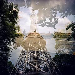Prag - Petřínská rozhledna (Eyegelspy) Tags: film meinfilmlab analog wwwmeinfilmlabde prag prague praha mittelformat rollfilm 120 lomography lomo ilovemylca