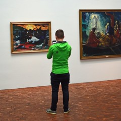 The art of being at an art museum ... (mikael_on_flickr) Tags: art arte kunst artmuseum tórshavn føroyar færøerne faroeislands isolefaroe museumguest green grün grøn vert verde paintings quadri malerier nn guy mec male ragazzo cute carino bside backside latob