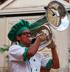 Mixitup 2018  - 8 (bua2009) Tags: buschgardens mixitup drum bugle realmusic corps theoldcountry williamsburg sanmarco marching flags saber drumcorps