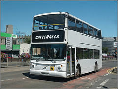 Catteralls V109 LGC (Jason 87030) Tags: alx400 volvo catteralls white rugby warks warwickshire corporationst street july 2018 sunny weather school college contract bus wheels v109lgc flowers pretty roadside vehicle buses fleet image photo photos pic pics socialenvy pleaseforgiveme picture pictures snapshot art beautiful picoftheday photooftheday color allshots exposure composition focus capture moment town