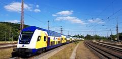 """Der RE2 """"Leinetal-Takt"""" von metronom mit Fahrtziel Hamburg Hbf erreicht den Bahnhof Kreiensen (claudio.bickel98) Tags: metronom netinera benex nahverkehr spnv regionalexpress leinetaltakt dosto steuerwagen kreiensen niedersachsen trainspotting privatbahn"""