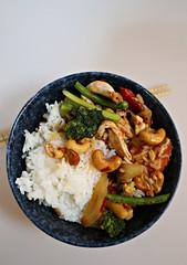 2018 Sydney: Chilli Chicken (dominotic) Tags: 2018 food meal thaifood chickenandvegetablesandcashewsinchillijam steamedrice yᑌᗰᗰy sydney australia